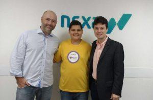 Graças ao Carlos Eduardo, o João Victor aprendeu ainda mais sobre TI na empresa Nexa Tecnologia.