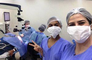 Dra. Liliana realizou o sonho da aluna Larah de assistir uma cirurgia.