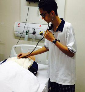 Marlon conheceu a rotina de um Médico.