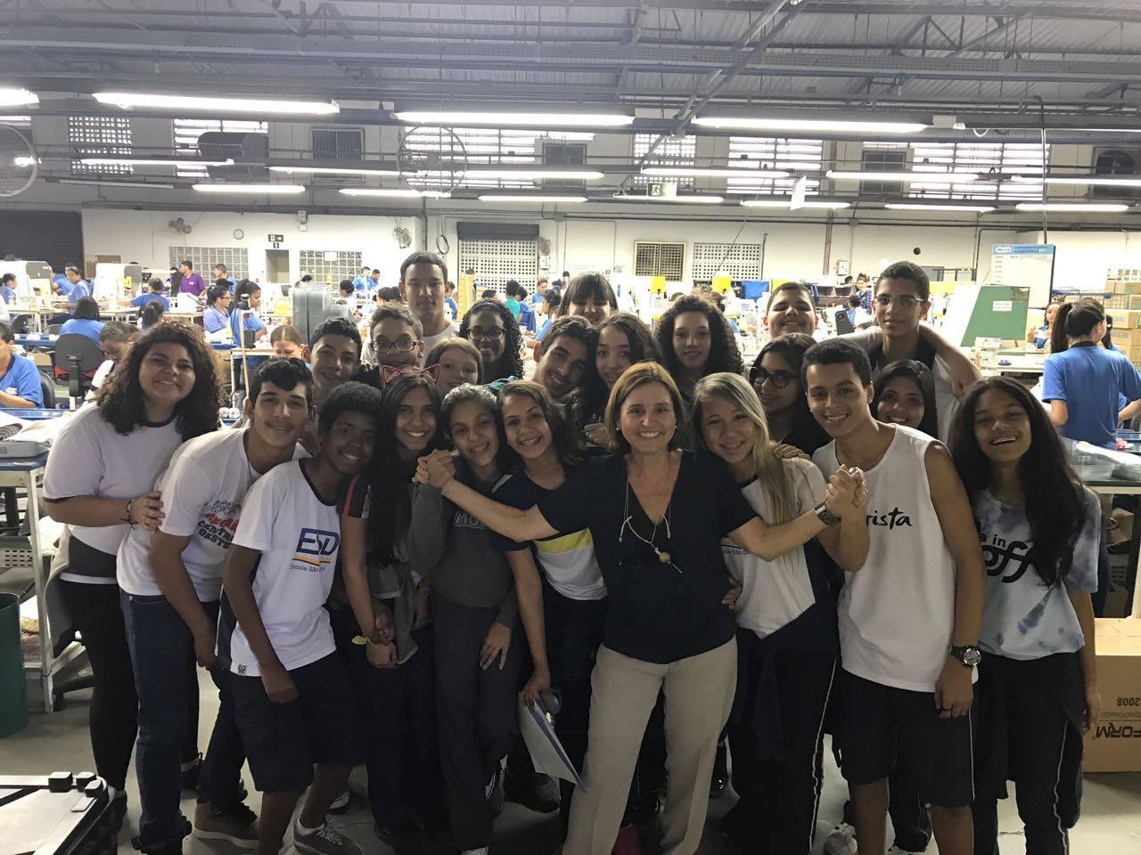 Cecília e os alunos do Instituto Ponte.